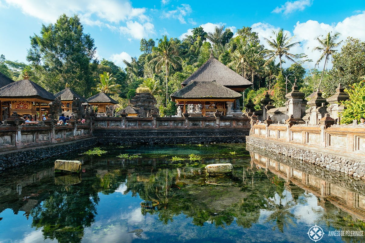 tirta-empul-water-temple-hindu-bali-indonesia-bali-yoga-school